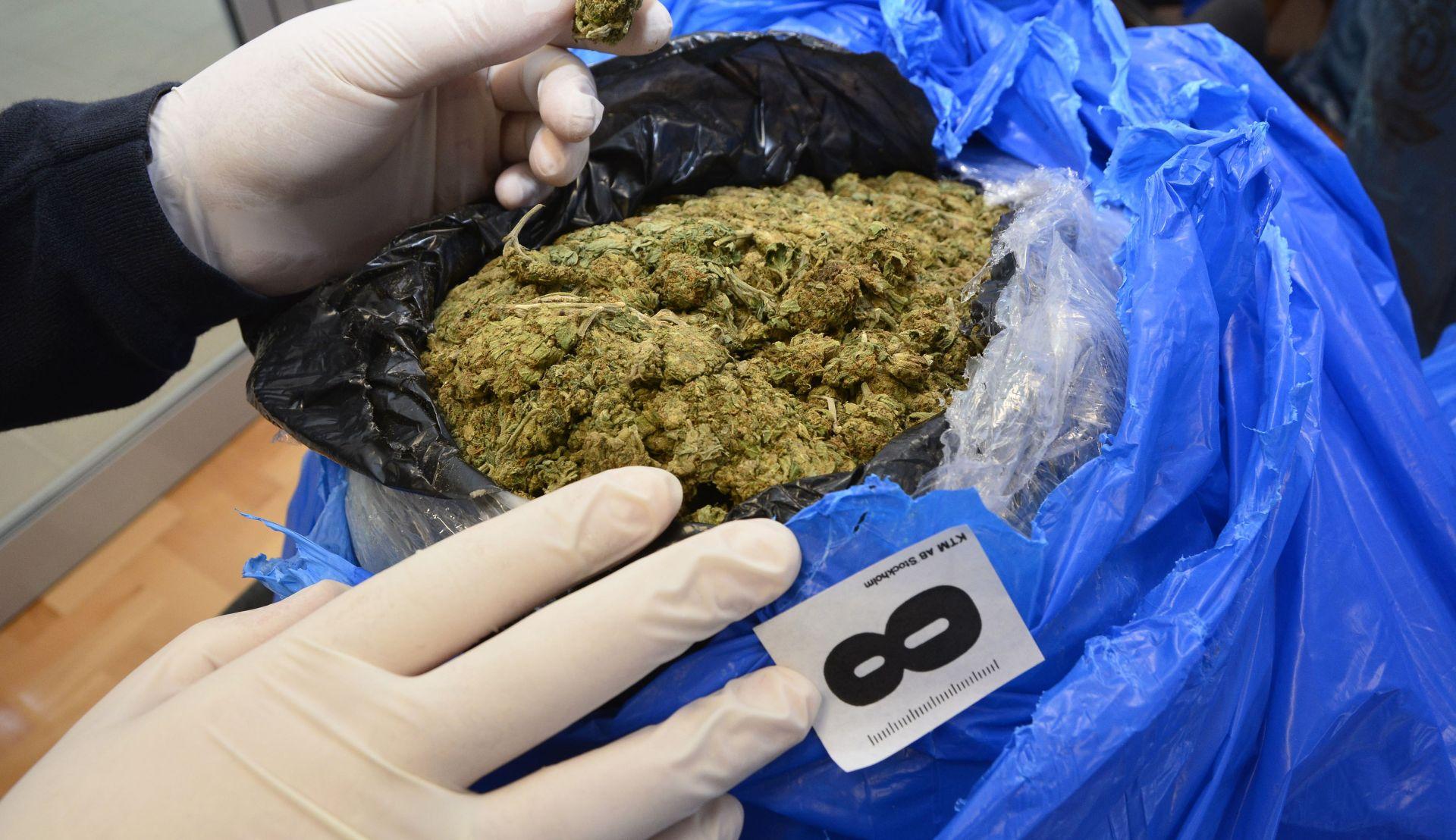 Trojica uhićena zbog preprodaje 24 kilograma marihuane i ekstazija na području Zadra