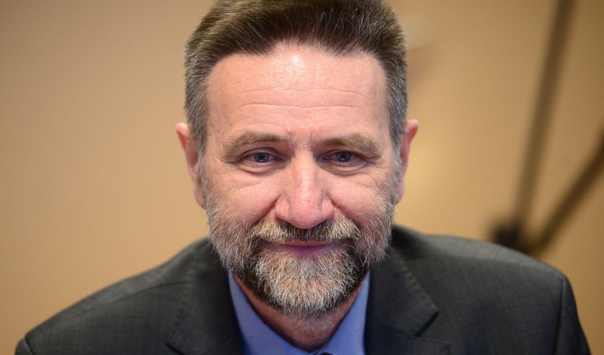 Ministar Barišić plagirao znanstveni rad, zatražena ostavka