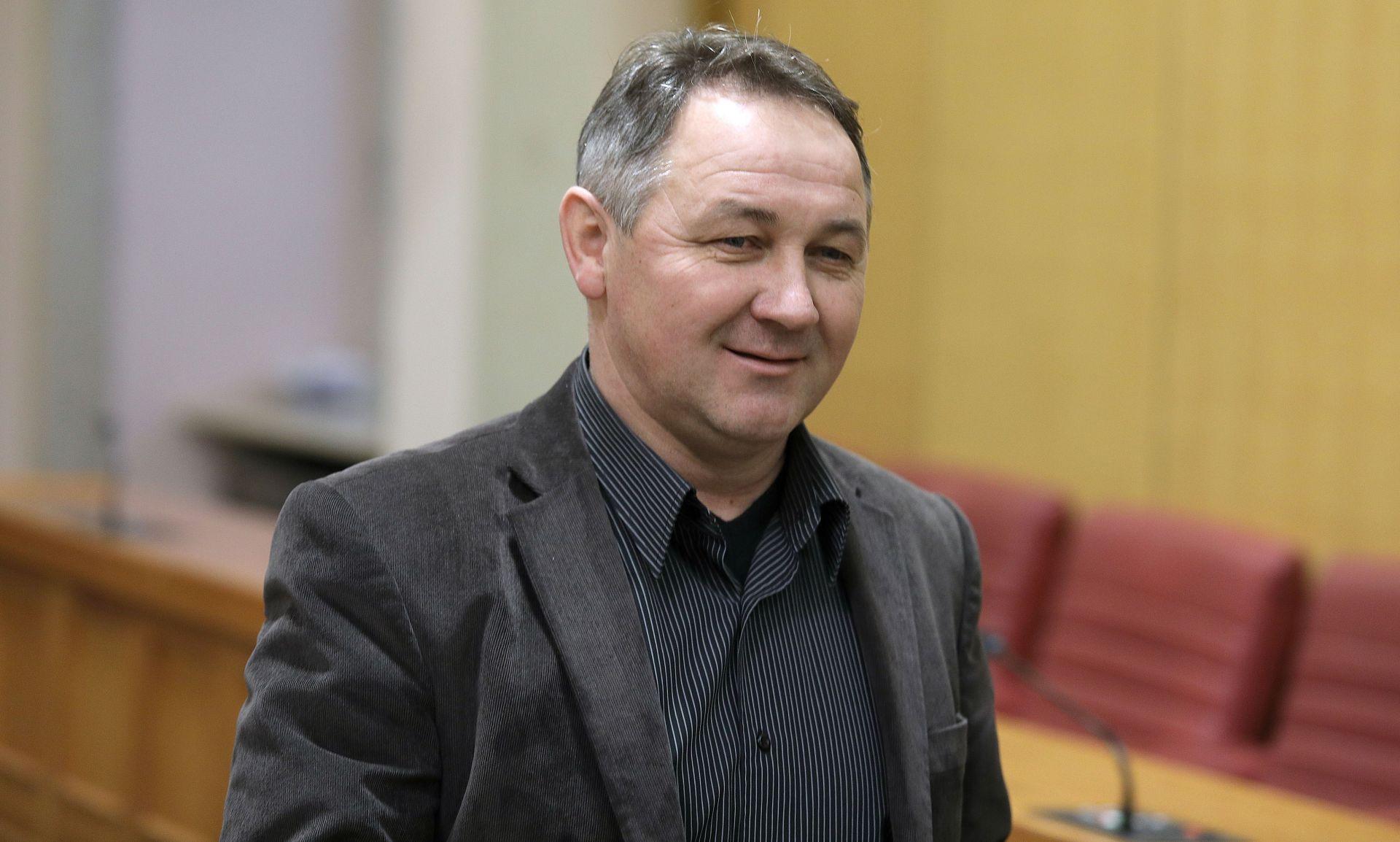 HND osuđuje uvrede zastupnika Steve Culeja upućene novinaru portala Express.hr