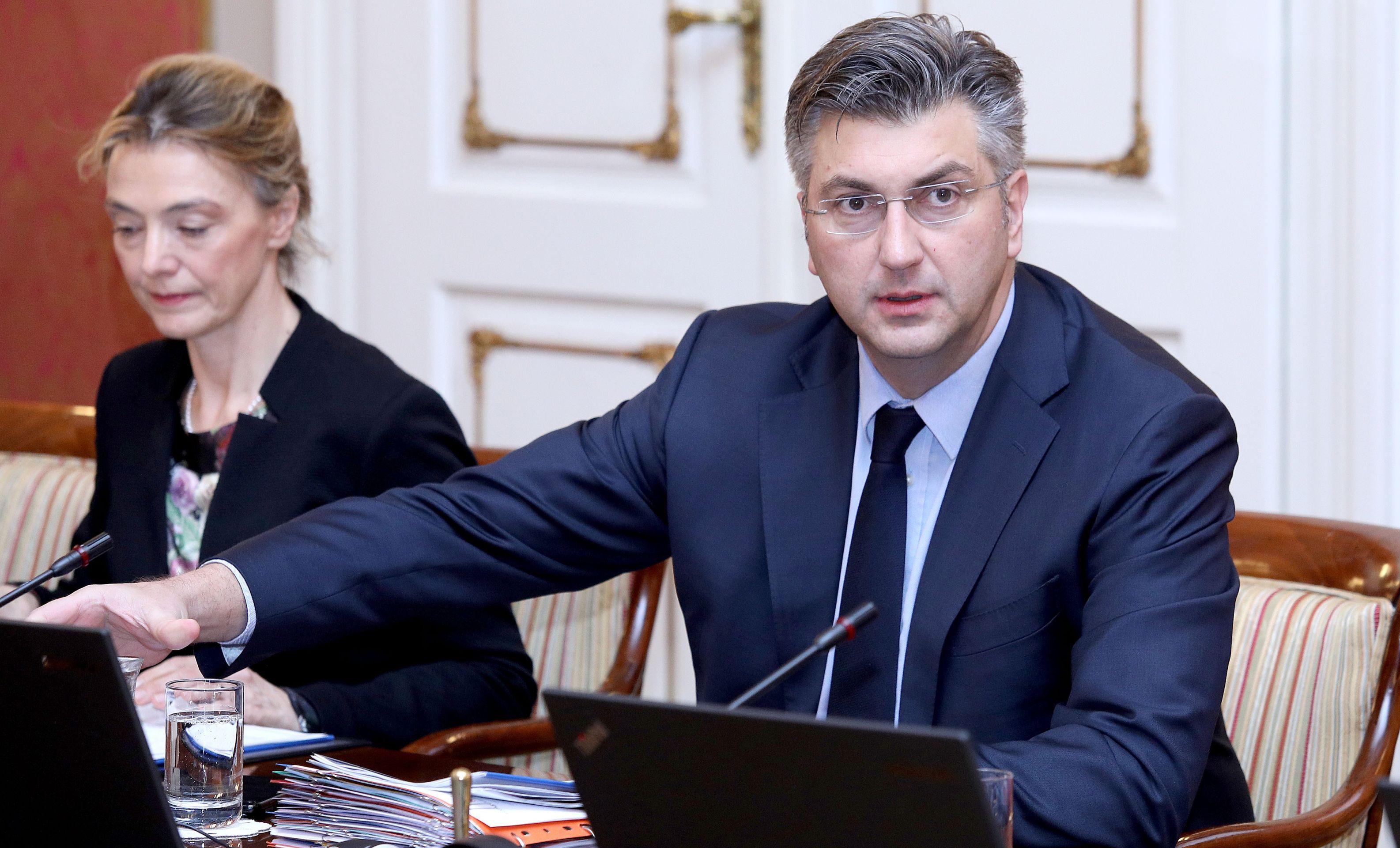 PLENKOVIĆ 'Hrvatska mora imati utjecaja u INA-i i HEP-u'