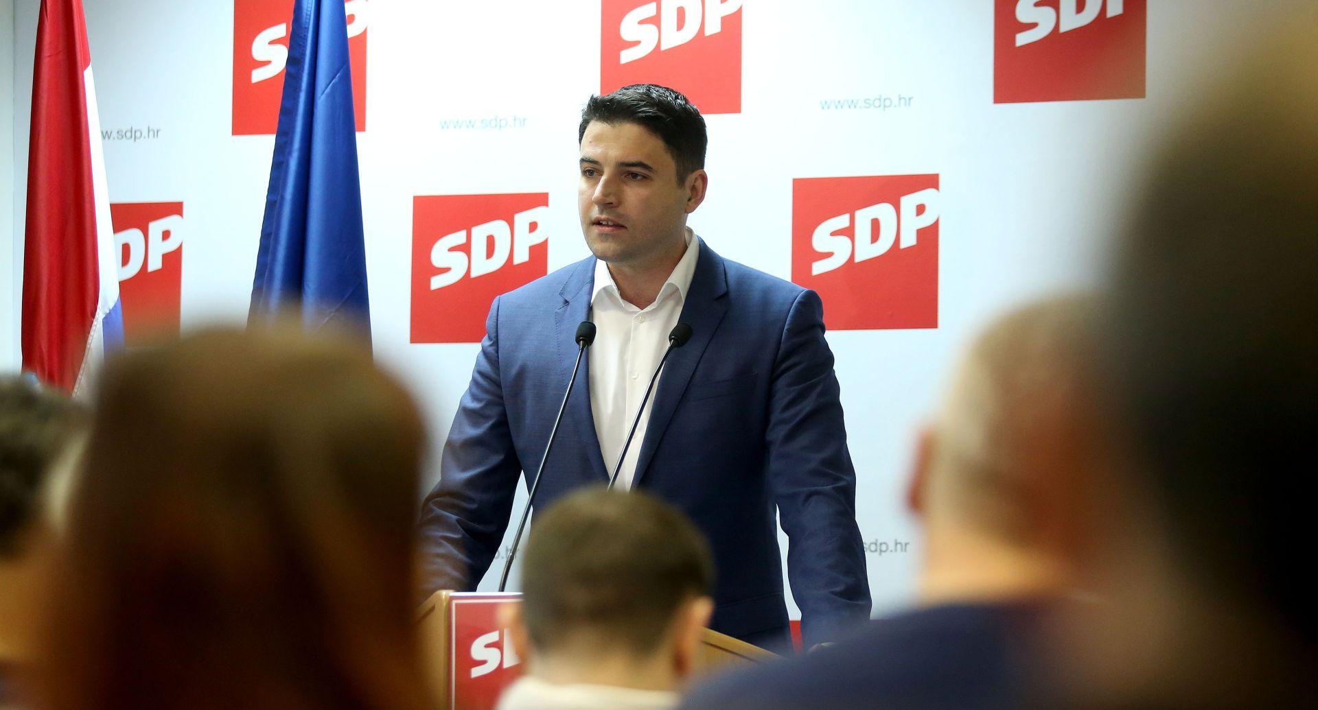 """DAVOR BERNARDIĆ """"Ova Vlada nema želju ni sa kime razgovarati"""""""