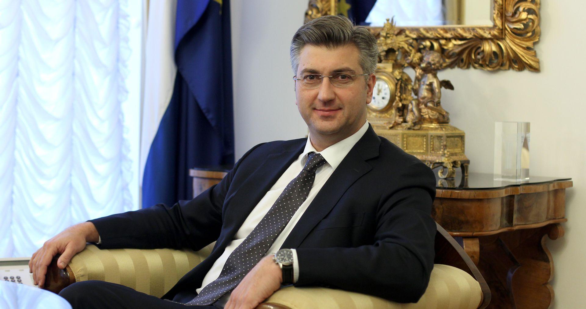 CRO DEMOSKOP Pada potpora radu Plenkovićeve Vlade, ali je premijer i dalje najpozitivniji hrvatski političar