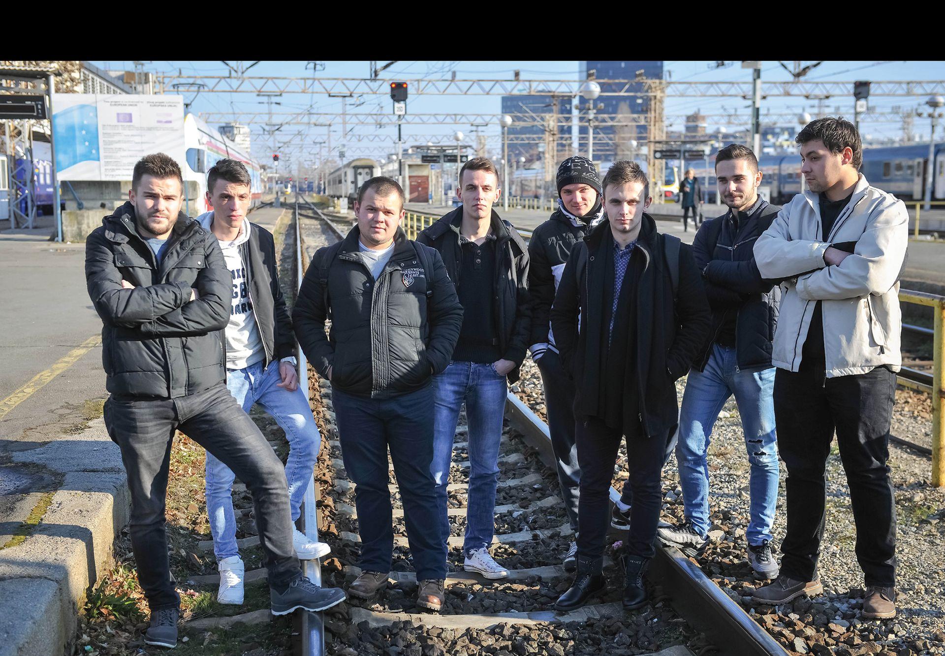 Osam strojovođa zbog prijave o neispravnim vlakovima ostalo bez posla
