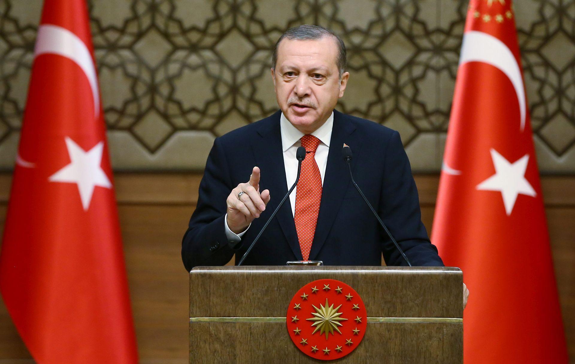 """Erdogan optužio Nizozemsku da postupa kao """"banana republika"""""""
