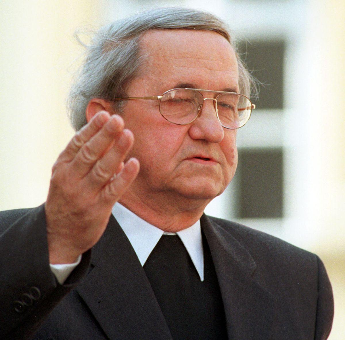 Umro don Anto Baković