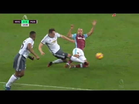VIDEO: Feghouliju poništen crveni karton iz utakmice protiv Uniteda