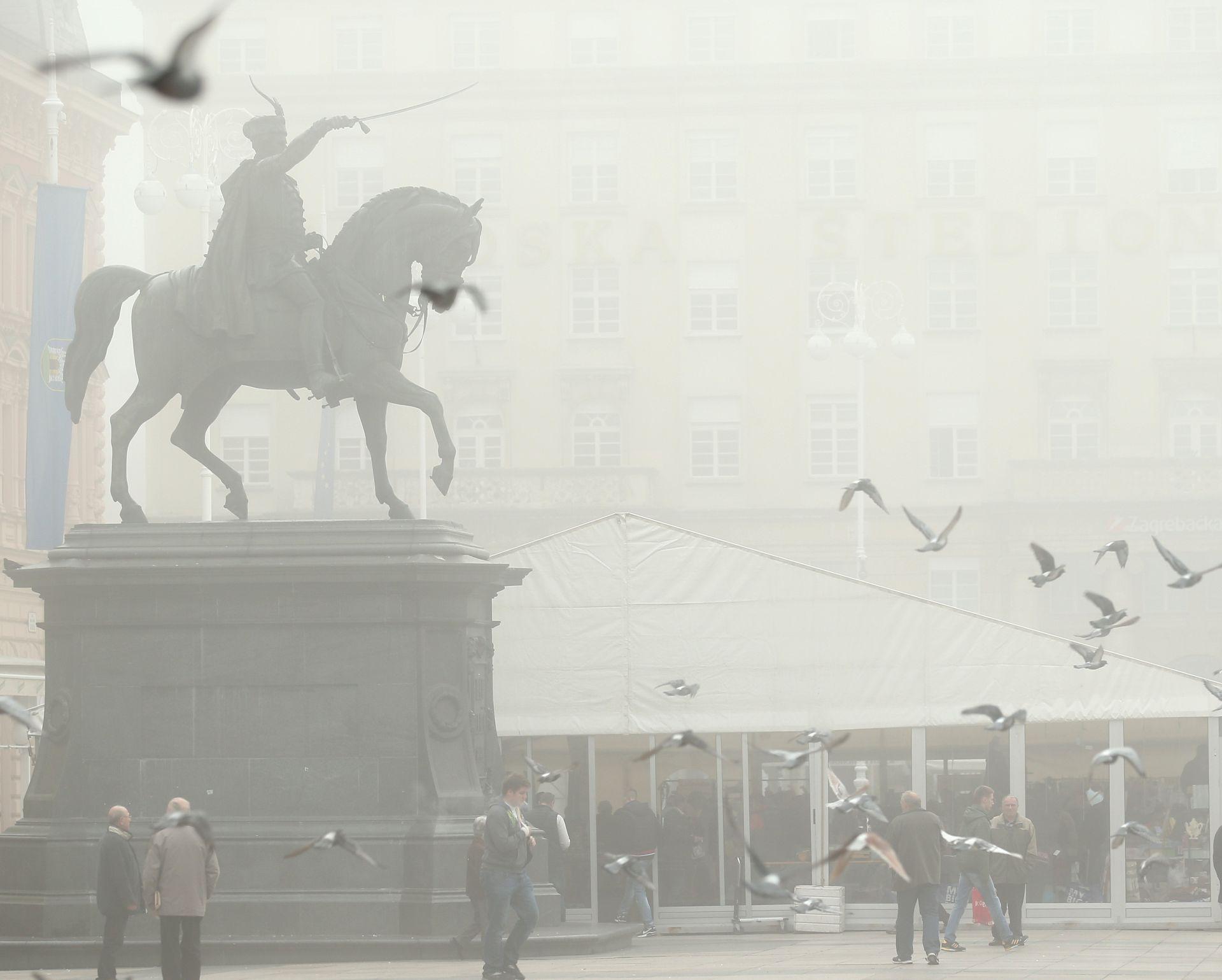 VRIJEME: U unutrašnjosti maglovito, potkraj dana na Jadranu moguća kiša