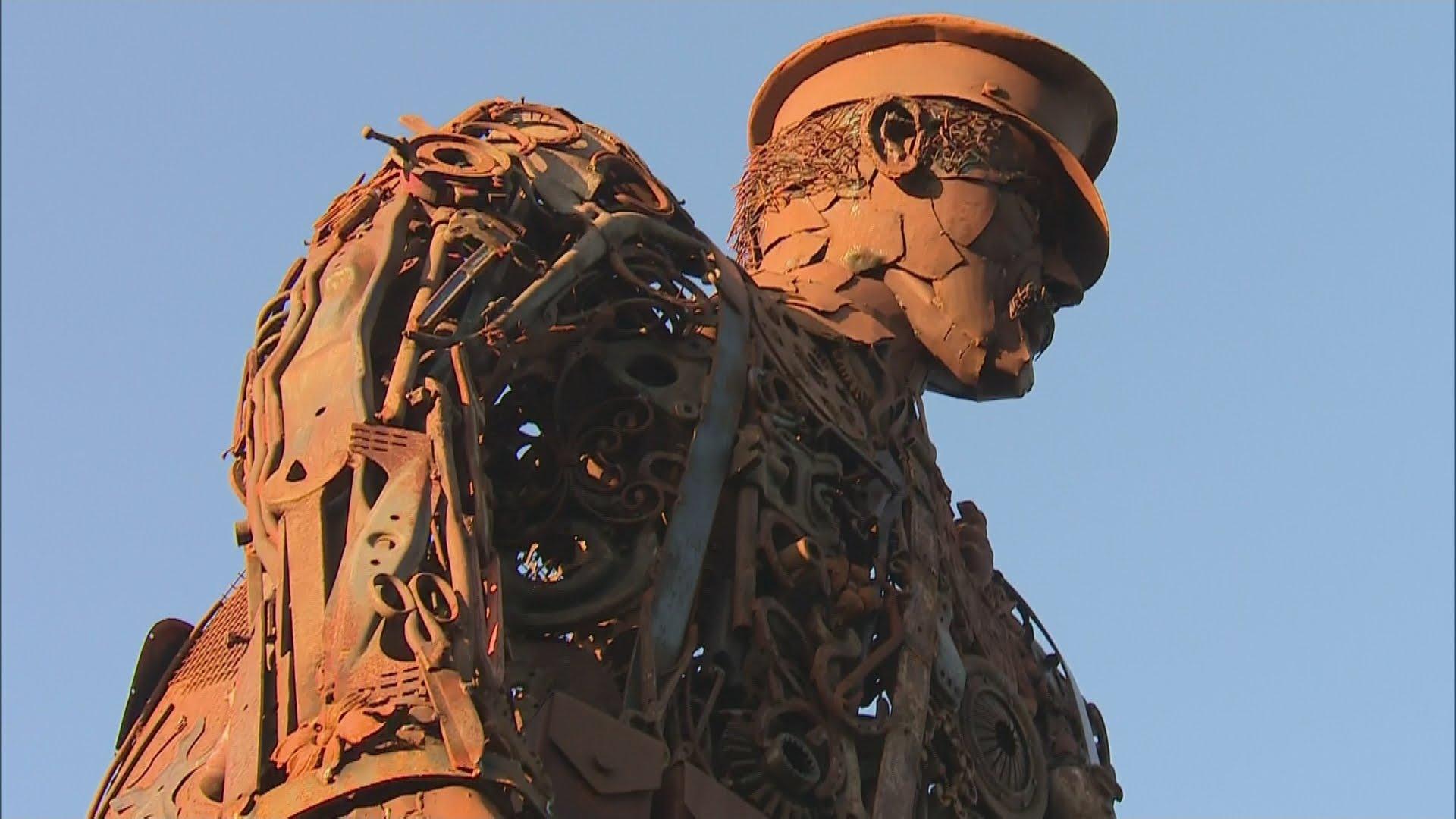 VIDEO: Fantastična skulptura od metalnog otpada