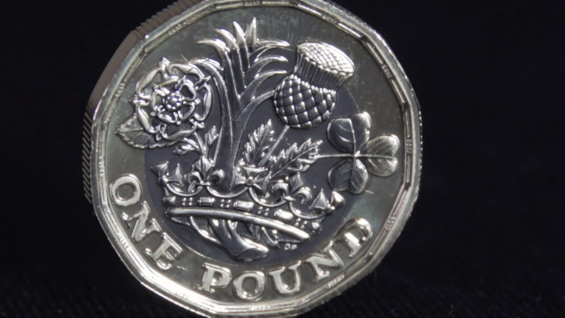 VIDEO: 'Izmjenjena' kovanica britanske funte uskoro ulazi u novčani opticaj