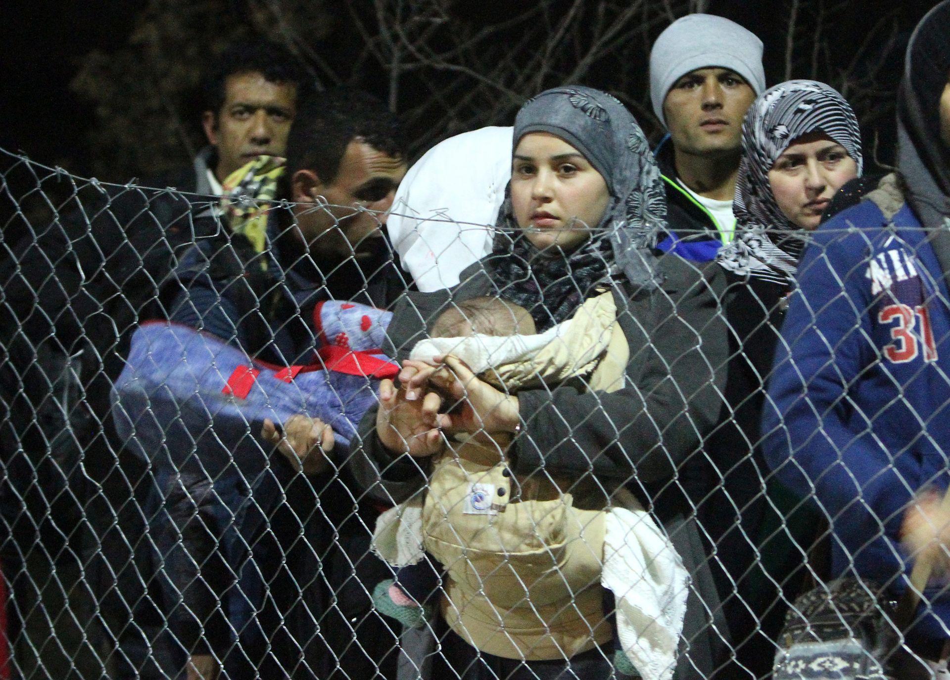 Policija odbacuje optužbe za nezakonito postupanje prema migrantima