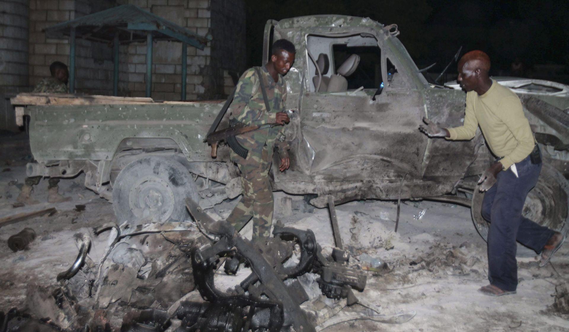 Automobil bomba zaletio se u hotel u Mogadišuu
