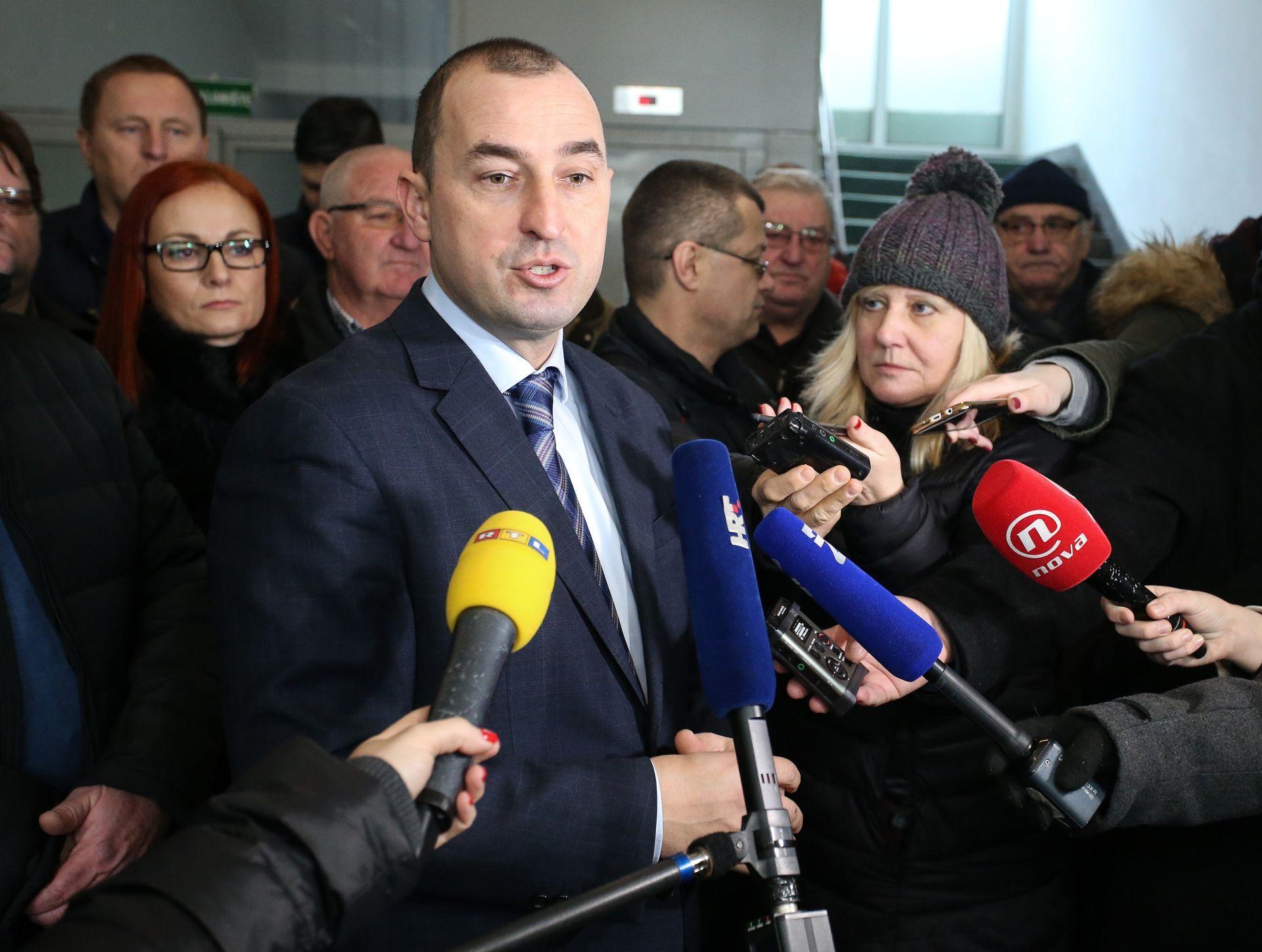 NAPUŠTANJE HSS-a Matić: 'Razlozi su nestatutarno djelovanje predsjednika stranke Kreše Beljaka'