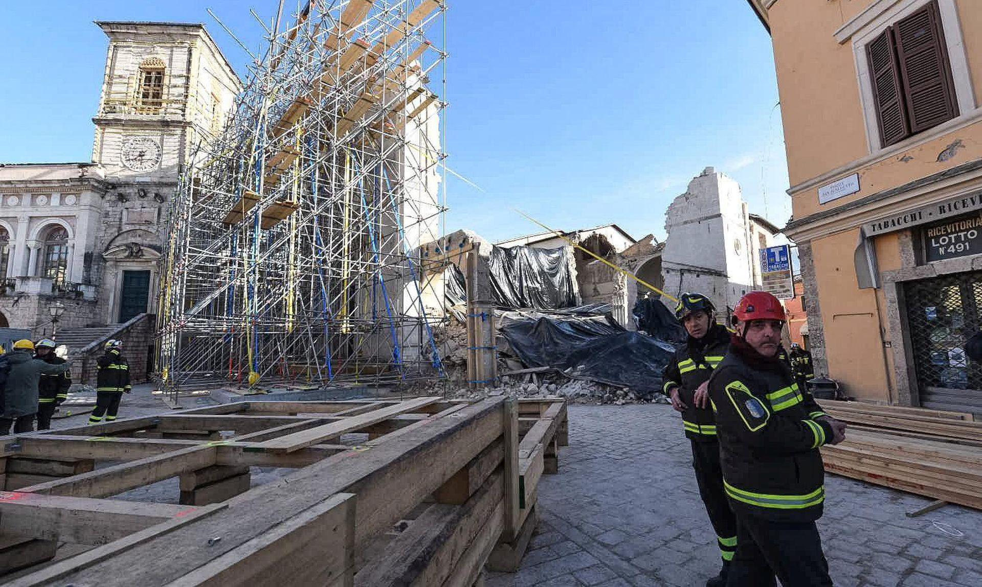 EVAKUIRANA PODZEMNA ŽELJEZNICA: Tri uzastopna potresa u središnjoj Italiji