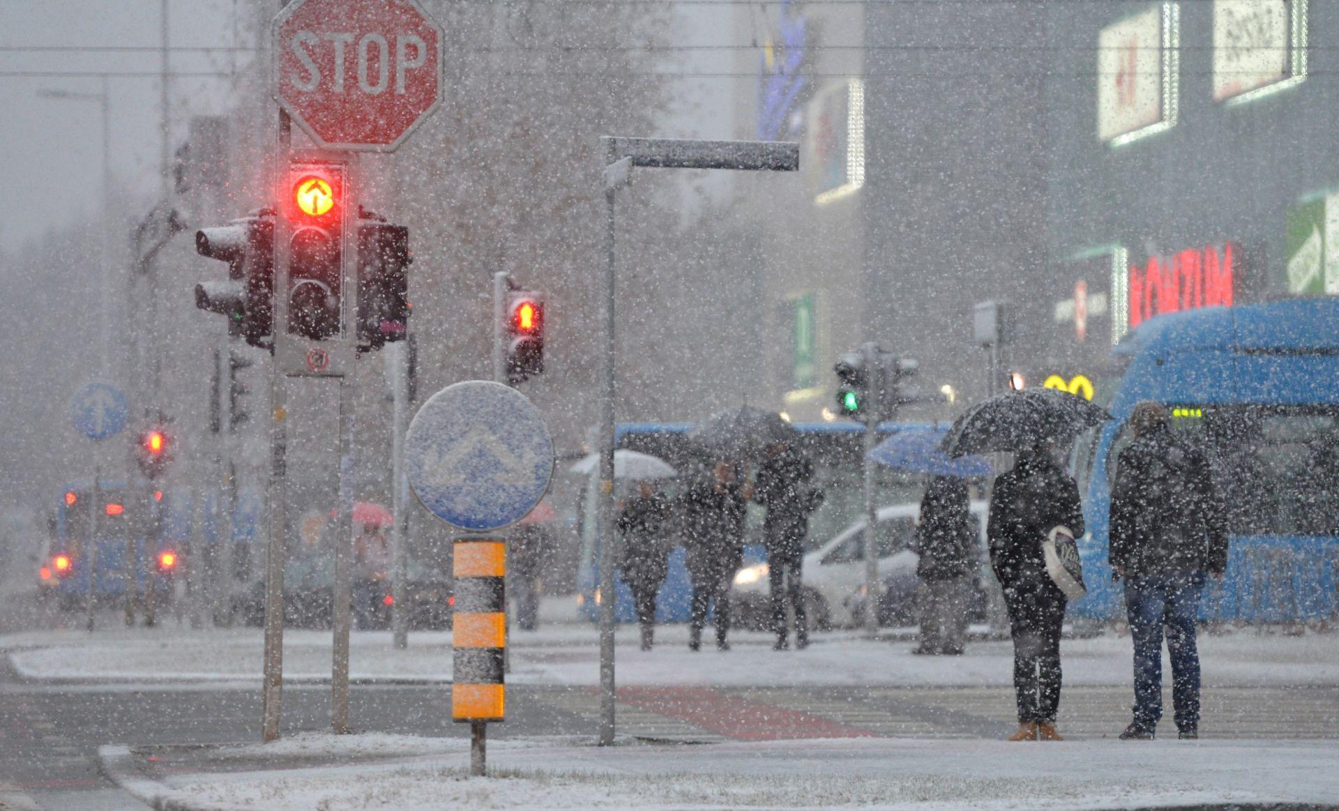 UPOZORENJE METEOALARMA: U unutrašnjosti se očekuje između 10 i 30 centimetara novog snijega
