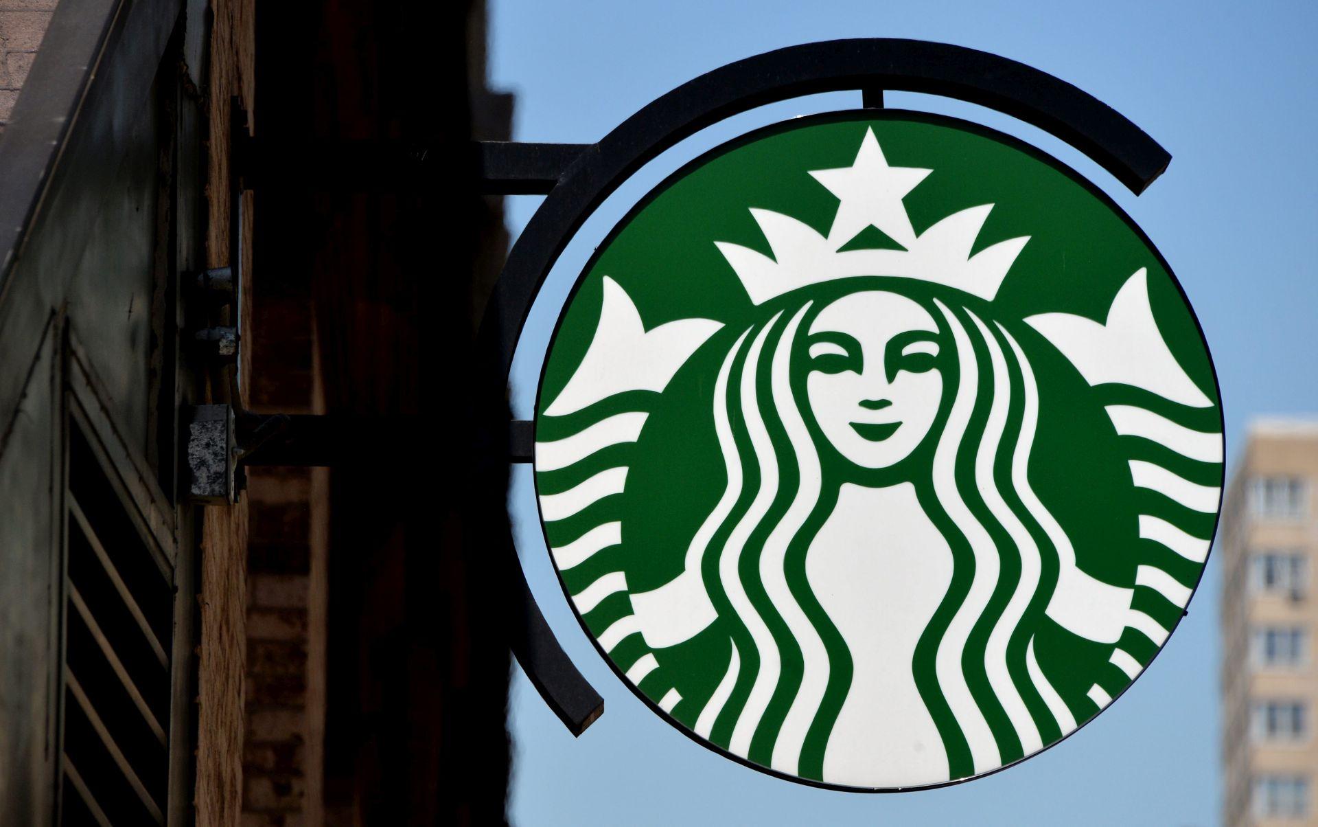 UNATOČ TRUMPOVIM RESTRIKCIJAMA: Starbucks će zaposliti 10.000 izbjeglica