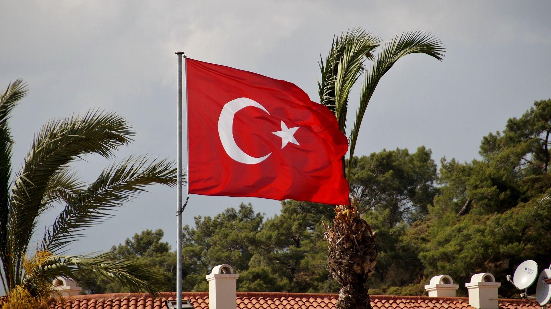 Turska prijeti ukidanjem migrantskog sporazuma s Grčkom zbog neizručenja vojnika