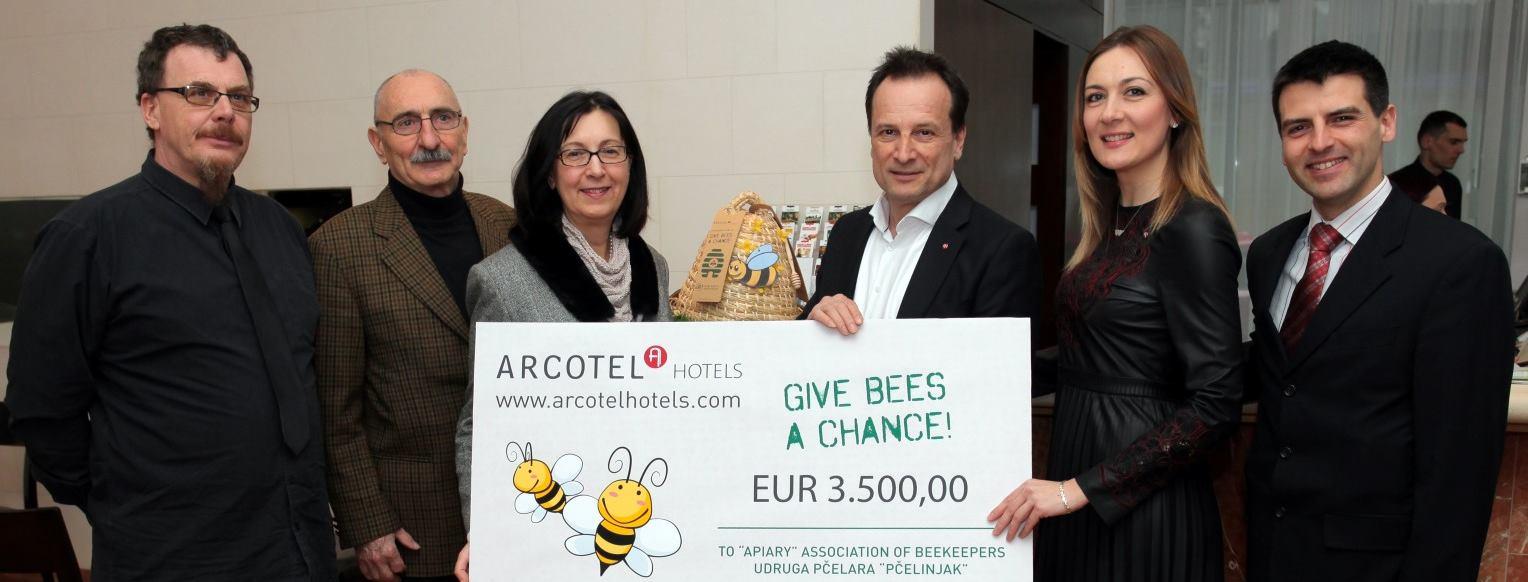 ARCOTEL Allegra Zagreb uz pomoć svojih gostiju prikupio je 3 500 eura za spas pčela