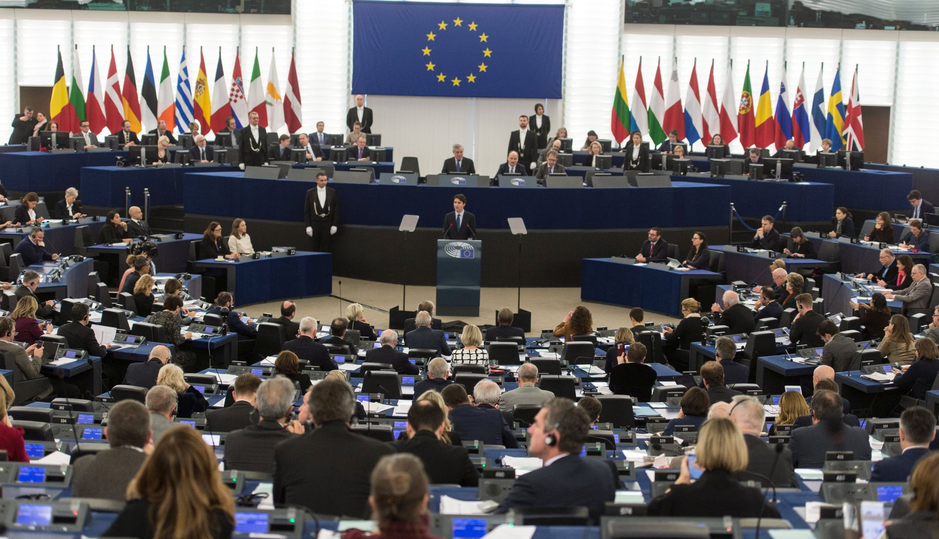 TRUDEAU: 'EU i Kanada moraju predvoditi svjetsku trgovinu'