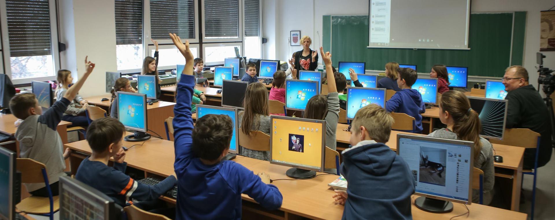 Osnovne škole i učenici obilježili 'Dan sigurnijeg interneta'