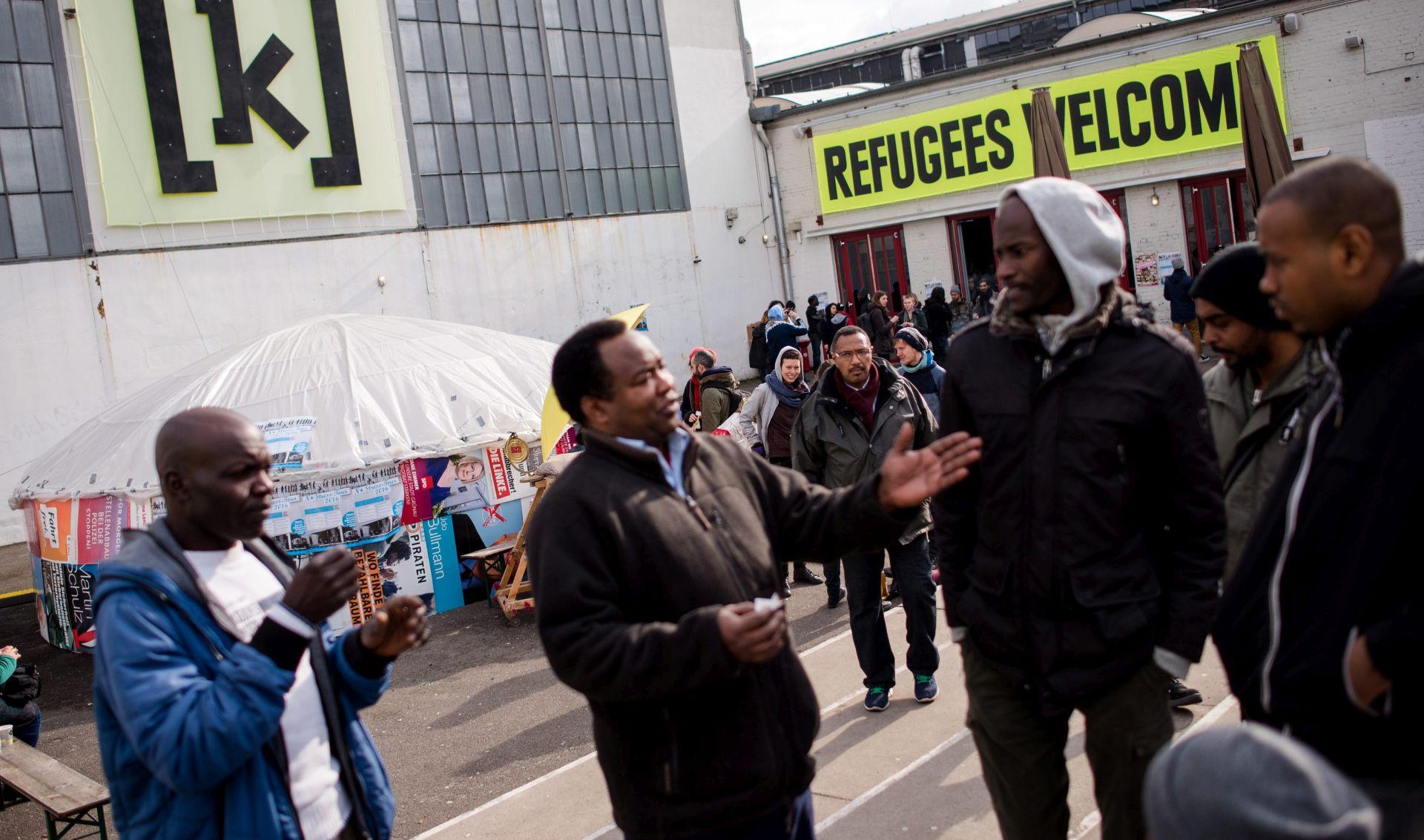 NJEMAČKA Skoro deset napada dnevno na migrante