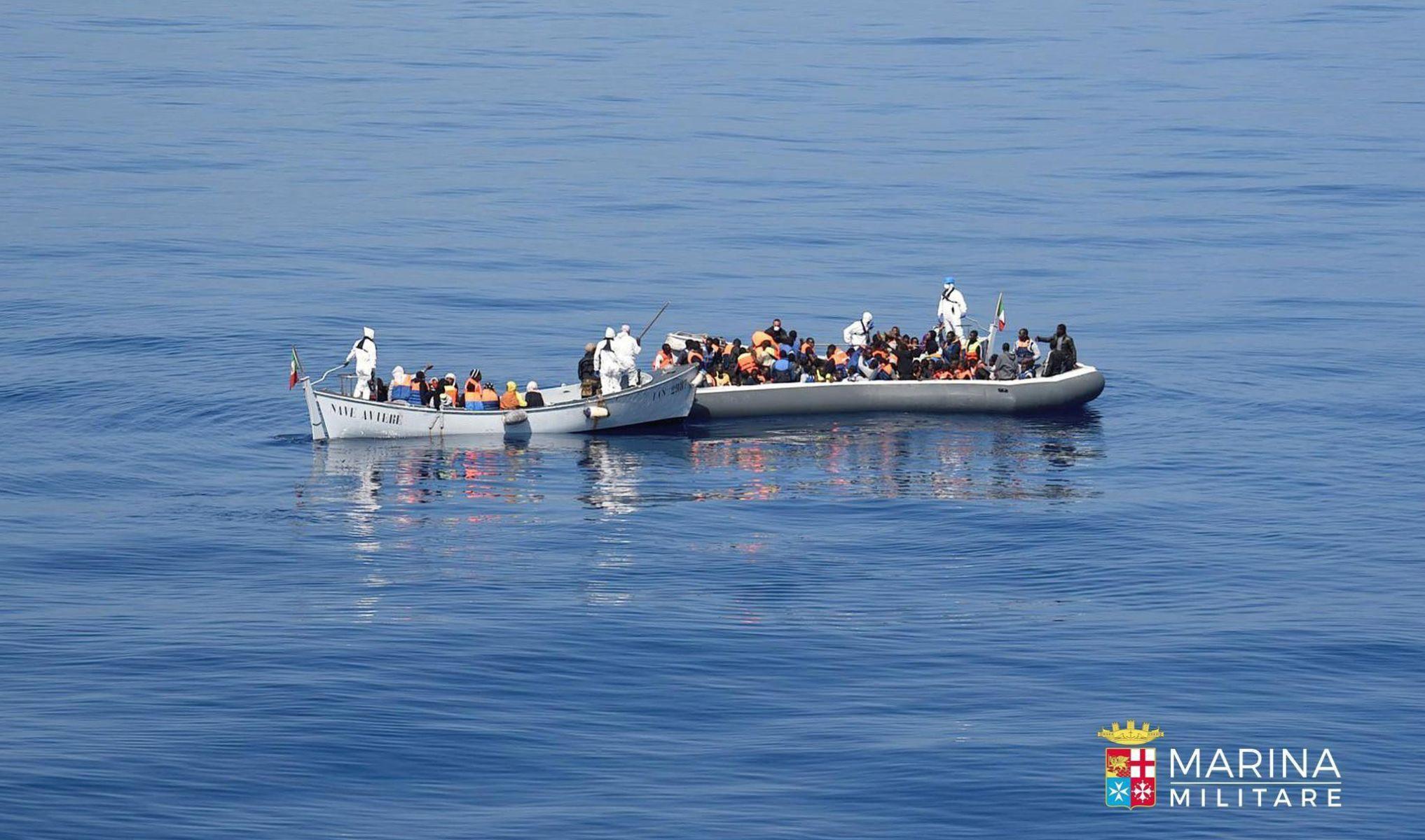 Italija spasila više od 1500 migranata na Sredozemlju tijekom vikenda