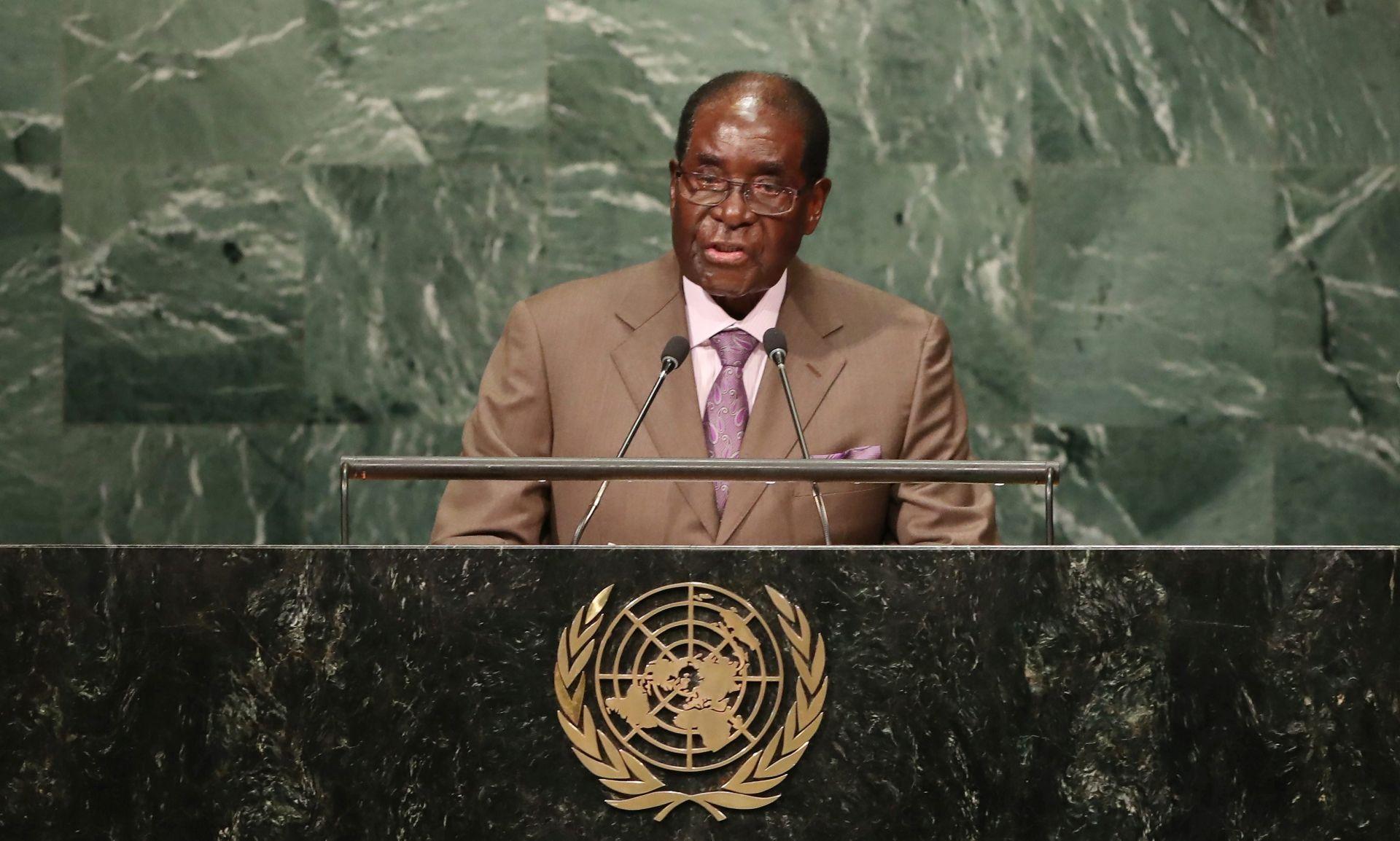 Mugabe proslavio 93. rođendan te odbacio mogućnost povlačenja s dužnosti