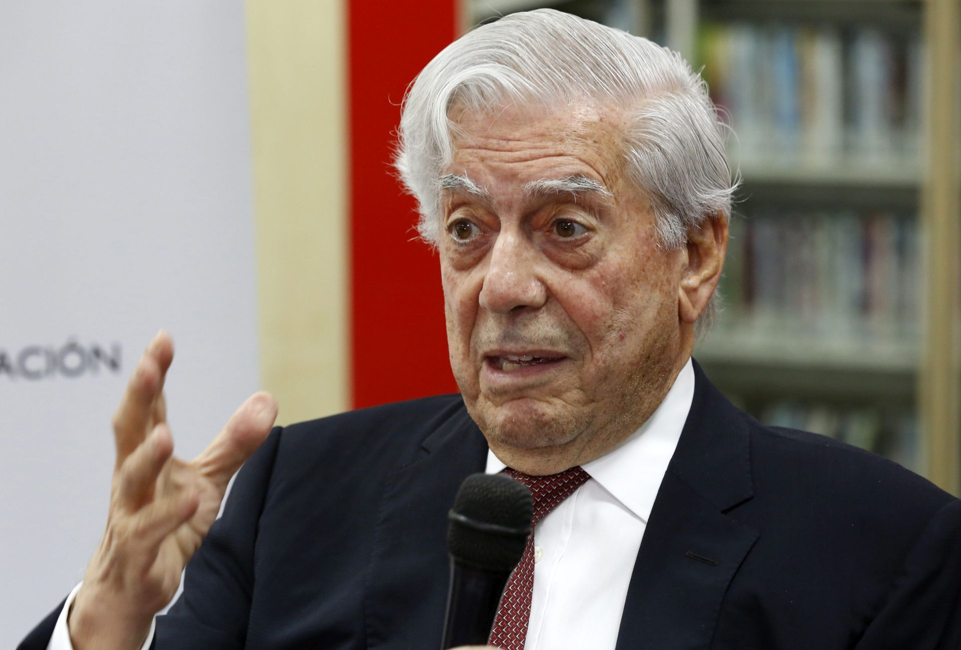 Nobelovac Vargas Llosa poziva hispanofon svijet na solidarnost nakon Trumpovih uvreda