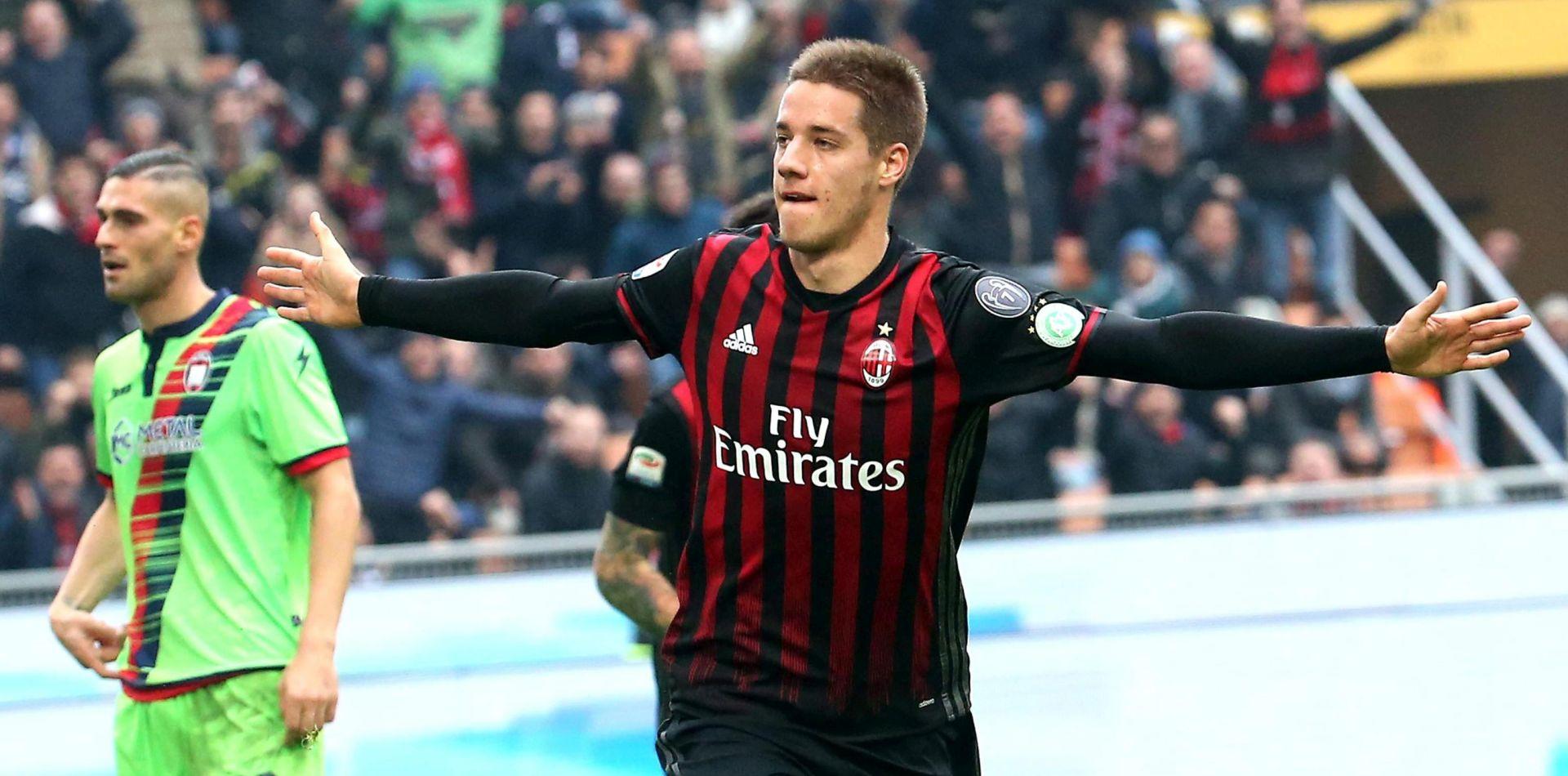 ITALIJA Pašalić donio pobjedu Milanu s dva igrača manje