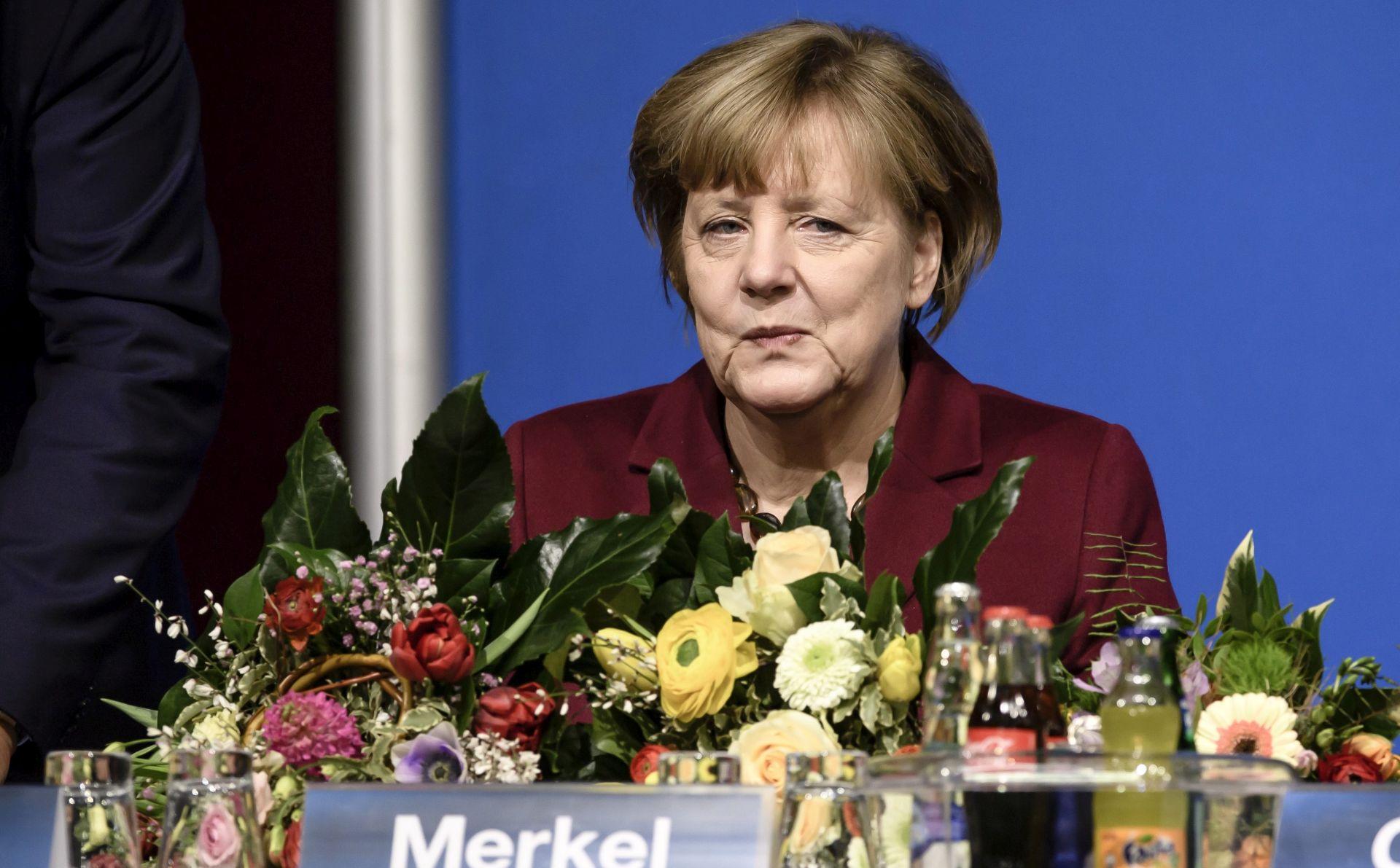 Angela Merkel u Turskoj radi smanjenja napetosti