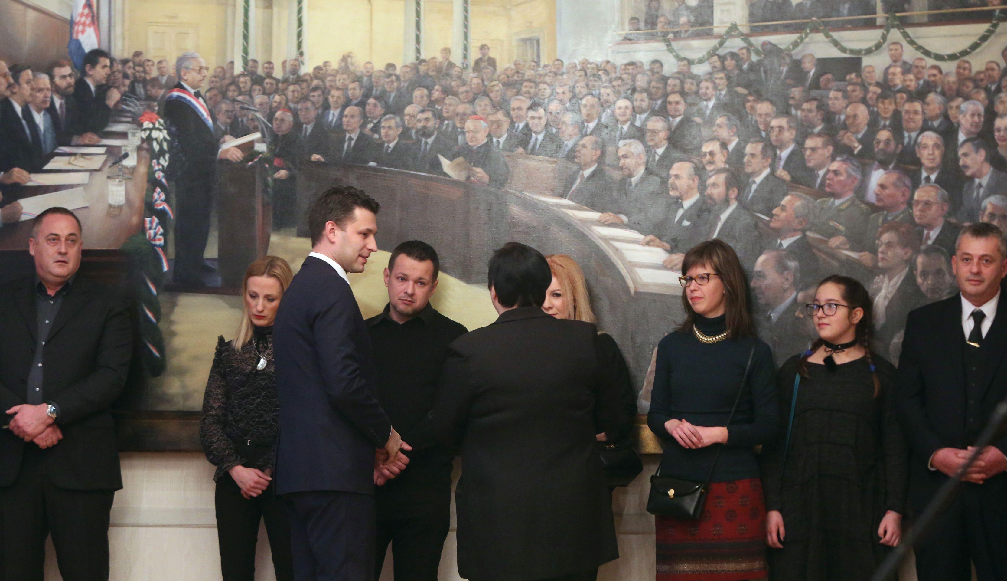 PETROV DOBITNICIMA NAGRADE 'PONOS HRVATSKE': 'Vi ste istinski ponos Hrvatske'