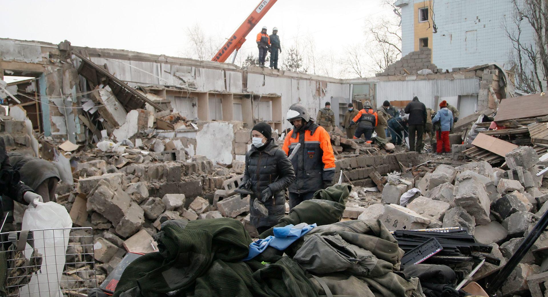 Merkel pozvala Putina da pomogne prekinuti nasilje u istočnoj Ukrajini