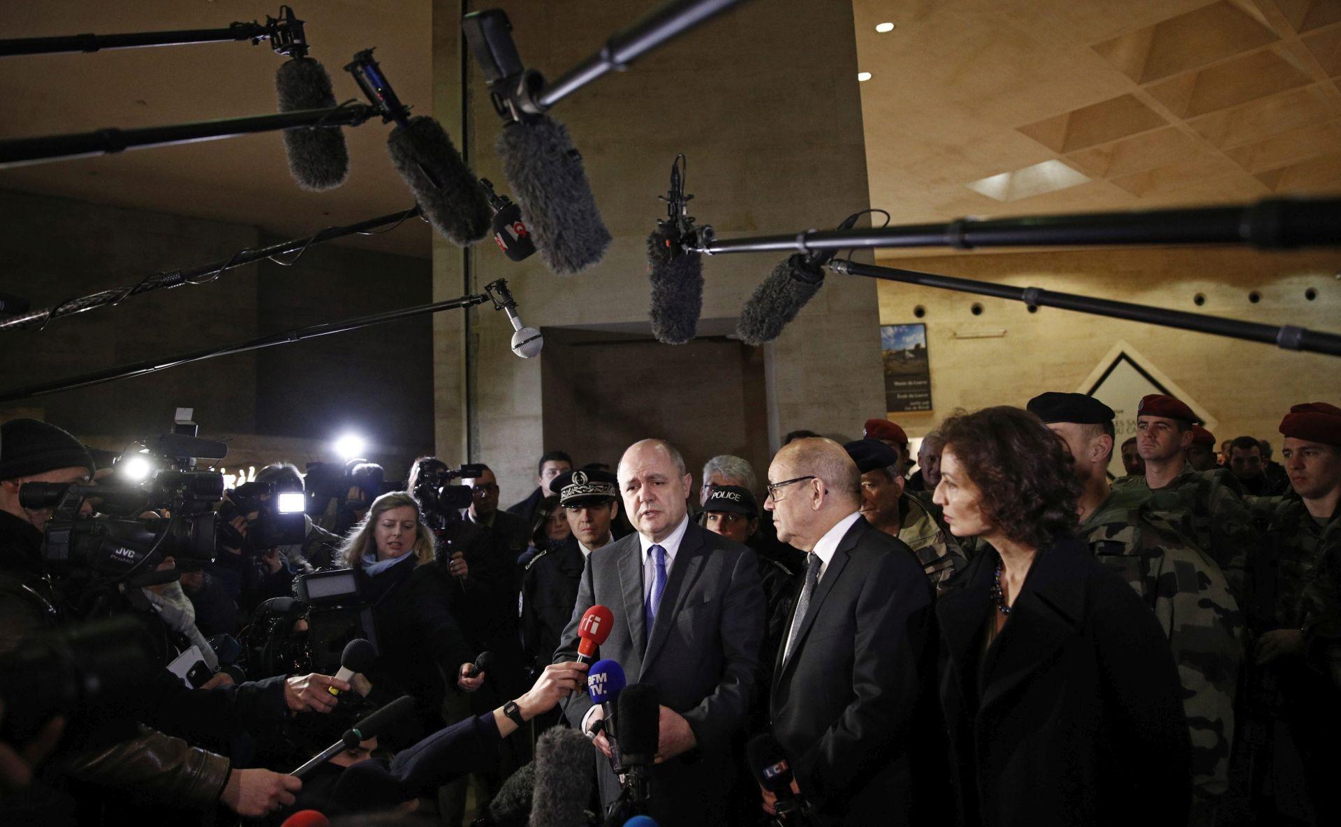 Napadač na Louvre možda 'tvitao' prije napada