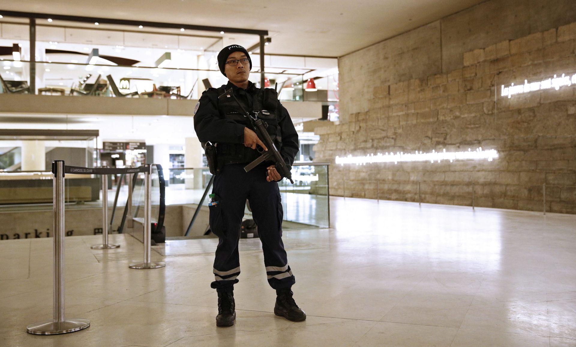 Za napad na Louvre osumnjičen 29-godišnji Egipćanin
