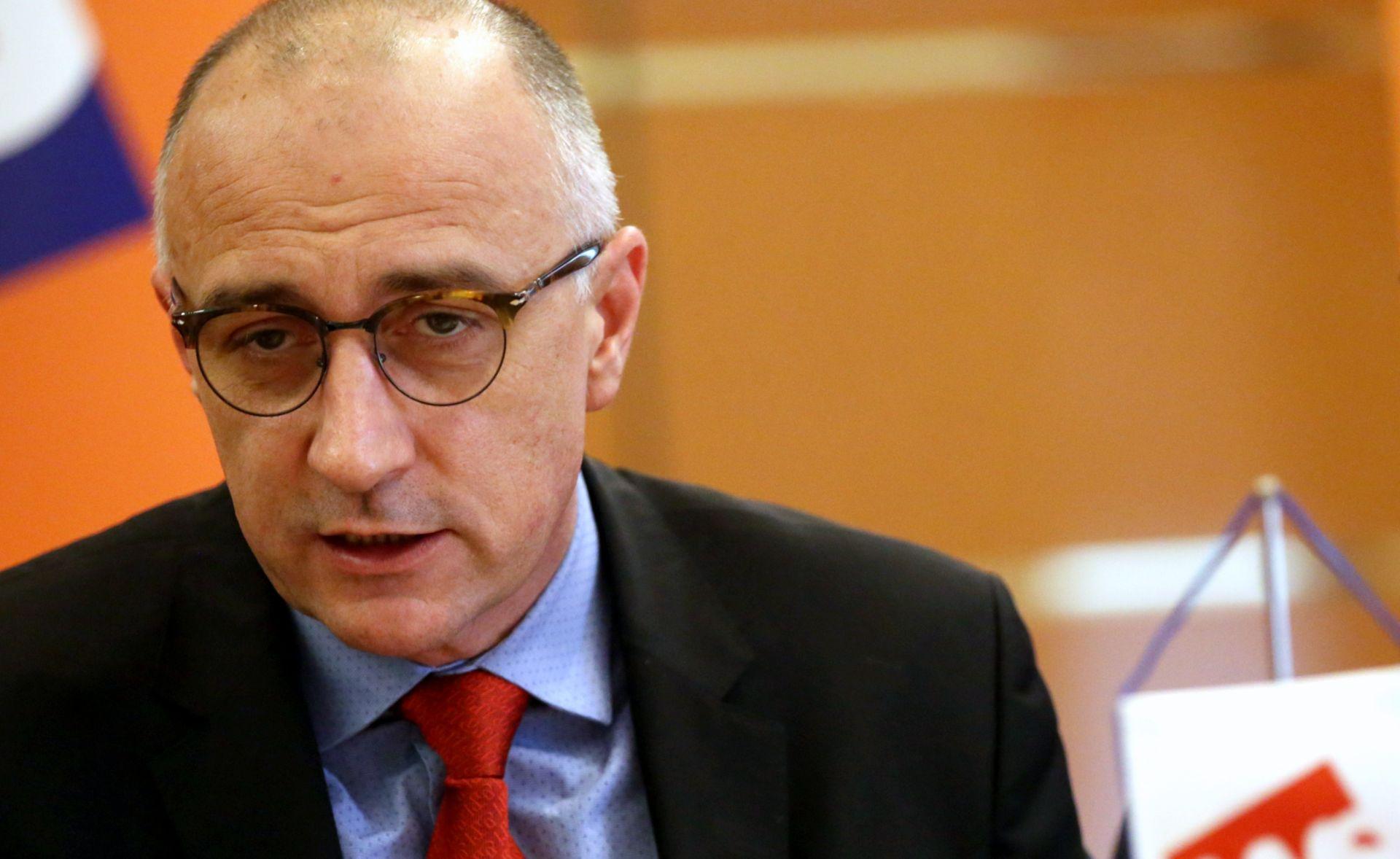 HNS 'Odgodom odluke o cijeni plina Vlada pokazala da nema viziju'