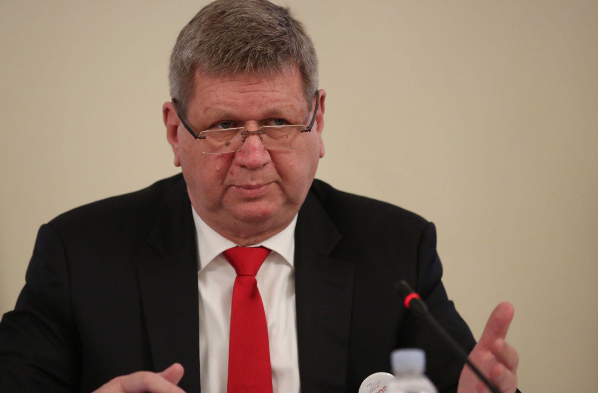 MRSIĆ 'Blagajnice će zamijeniti mladi za 2.620 kuna'
