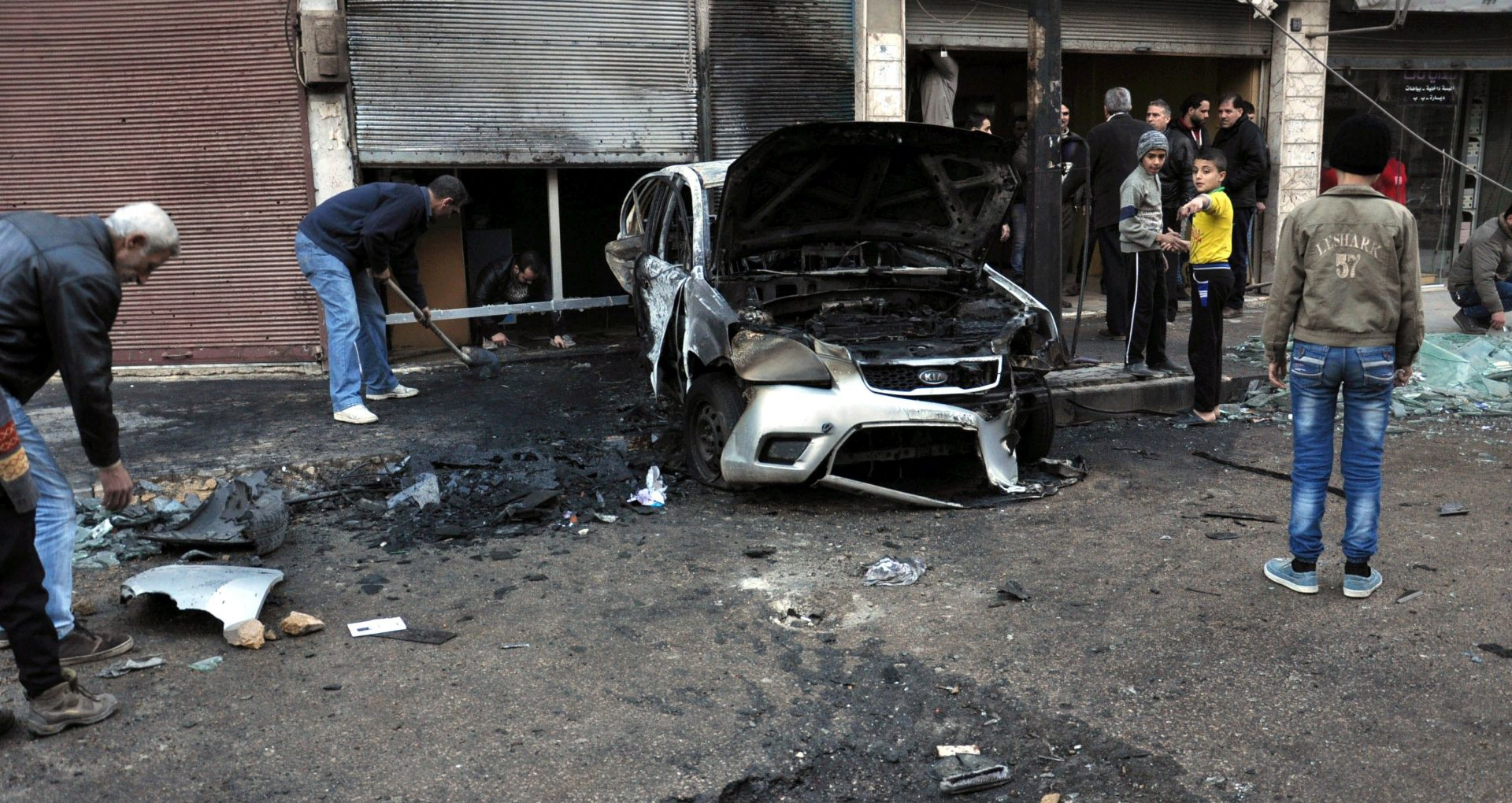 U samoubilačkim napadima na sjedišta sigurnosnih snaga u Homsu 42 mrtvih