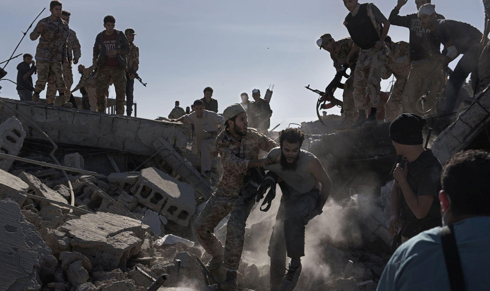 UN U Siriji i Iraku još 30.000 boraca IS-a