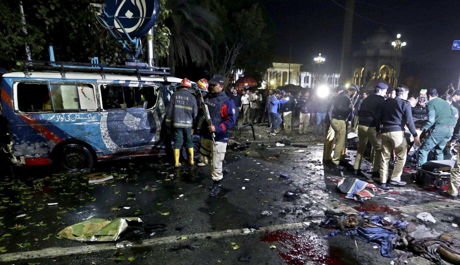 Najmanje 10 mrtvih u eksploziji u Lahoreu
