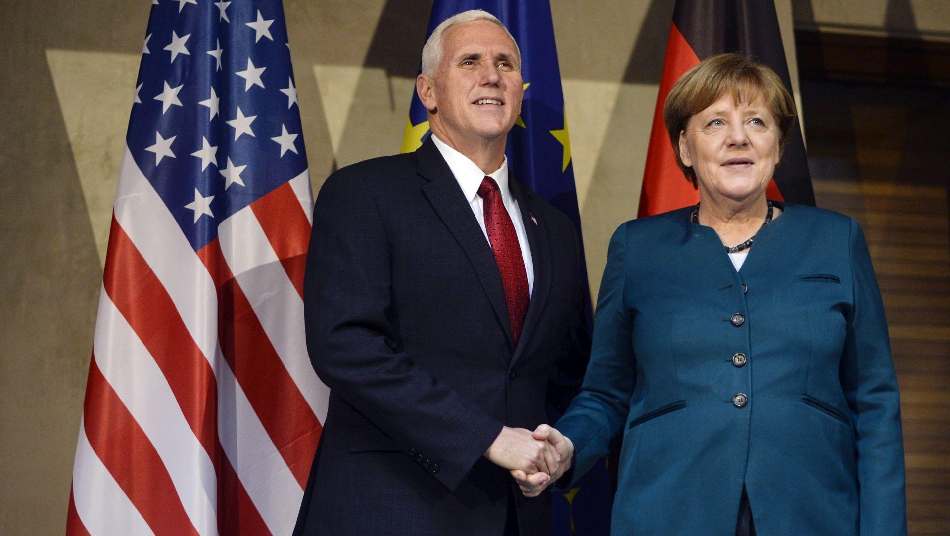 PENCE 'Trump odlučan nastaviti suradnju s EU-om'