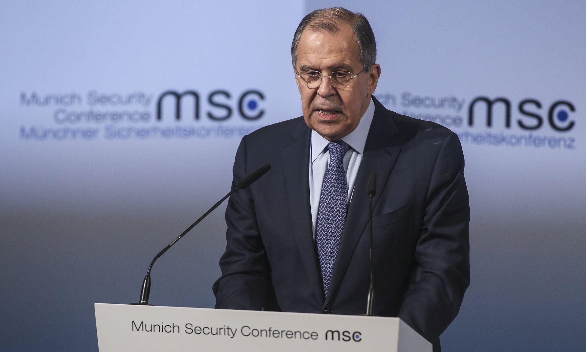 Lavrov za 'konstruktivne' odnose sa SAD-om i NATO-om, unatoč 'neviđenim napetostima'
