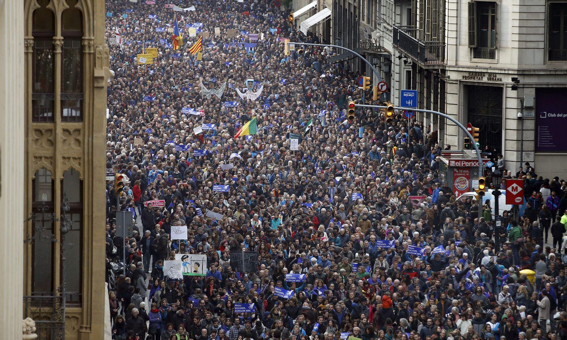 BARCELONA 160.000 ljudi traži prihvat migranata u Španjolskoj