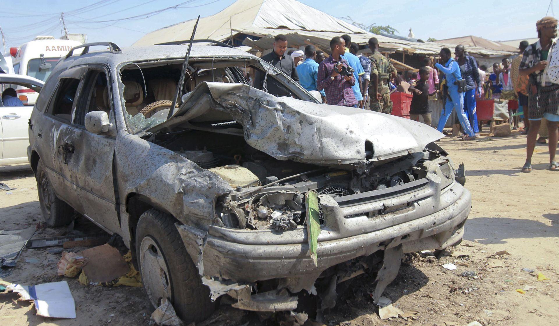 U samoubilačkom napadu u Somaliji poginulo 39 ljudi