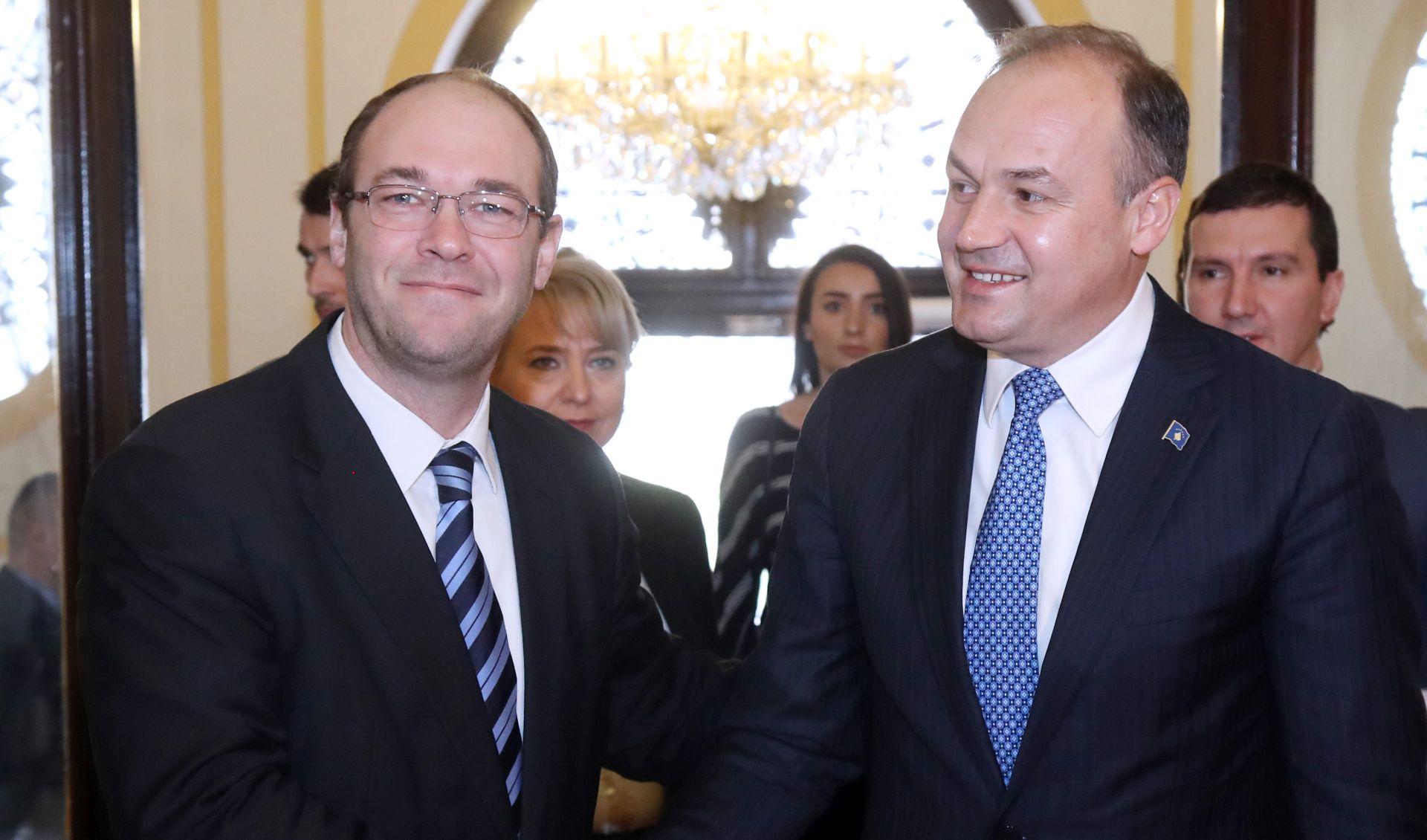 STIER 'Snažna potpora Kosovu, političke odnose dopuniti gospodarskim'
