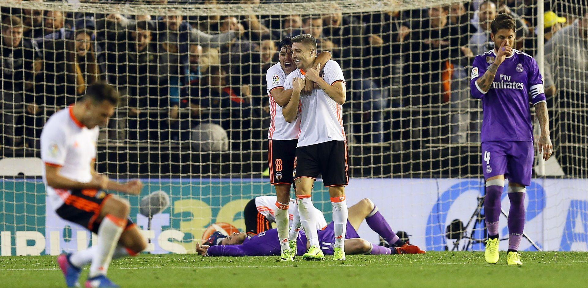 PRIMERA Nakon slavlja nad Realom, Valencia poražena kod Alavesa