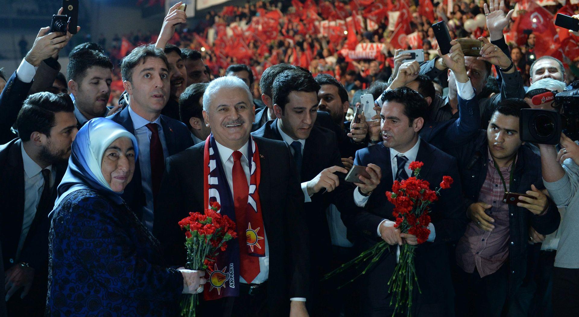 TURSKA: AKP u kampanji za ustavne promjene