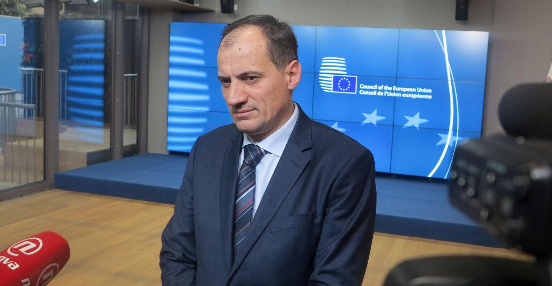 Dobrović razgovarao s povjerenikom Vellom o planu gospodarenja otpadom