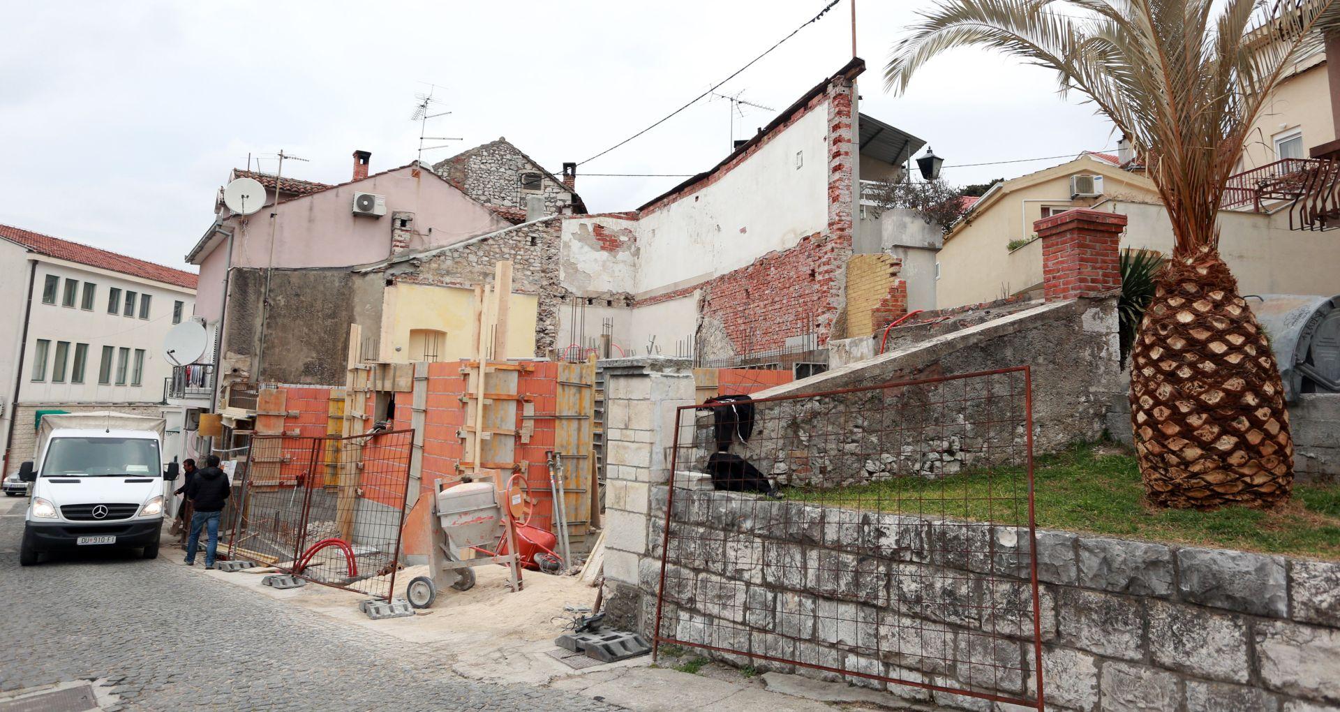FOTO: METKOVIĆ Gradi se kuća Bože Petrova koju sufinancira država