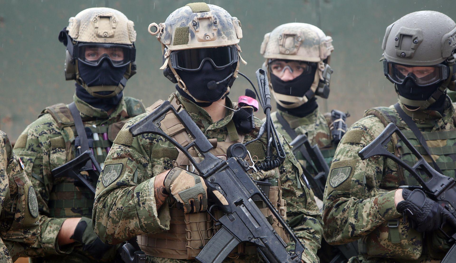 KRSTIČEVIĆ 'Hrvatski vojnici u Afganistanu bit će naoružani hrvatskom puškom VHS 2'