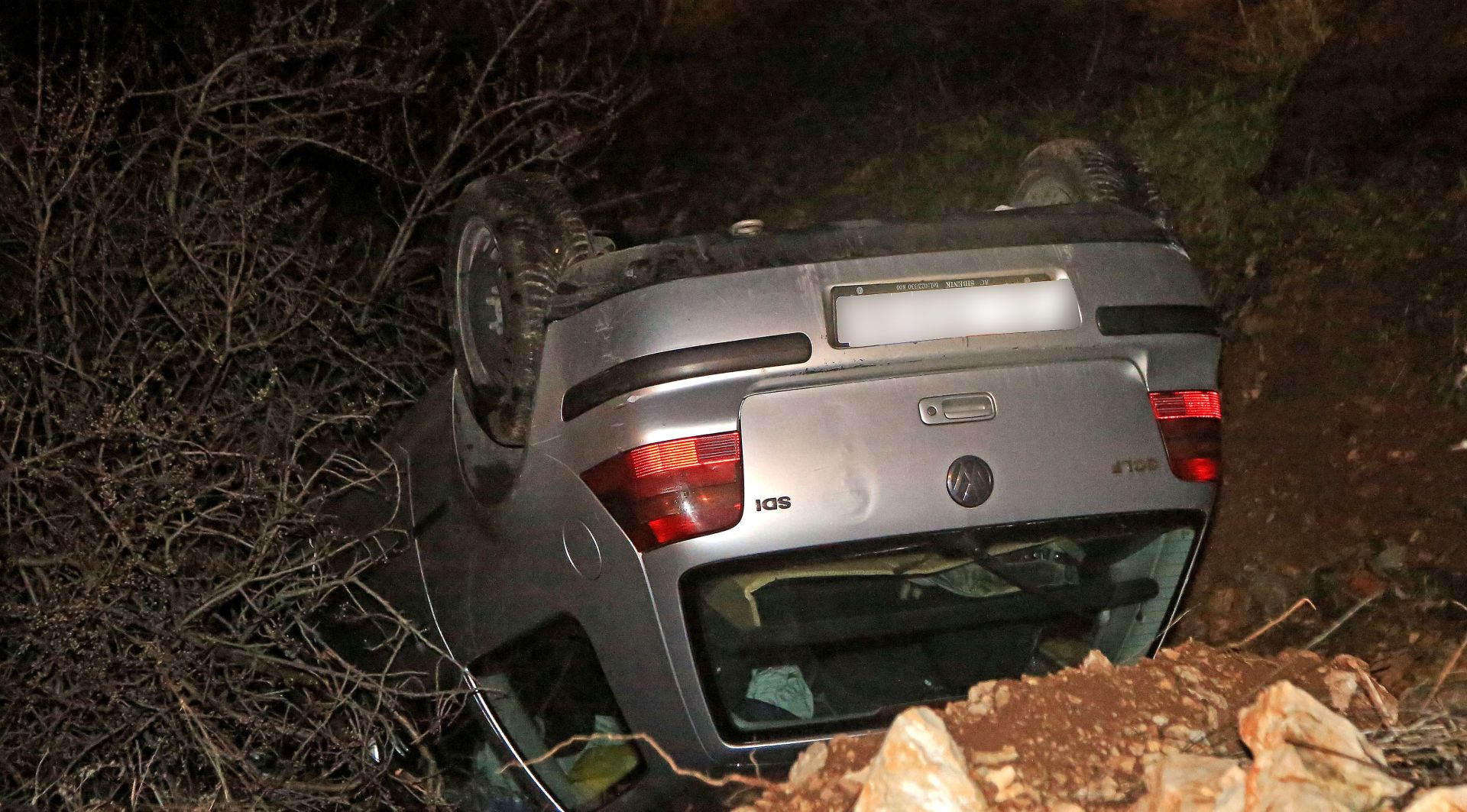 Automobil na ulazu u Šibenik izletio s ceste