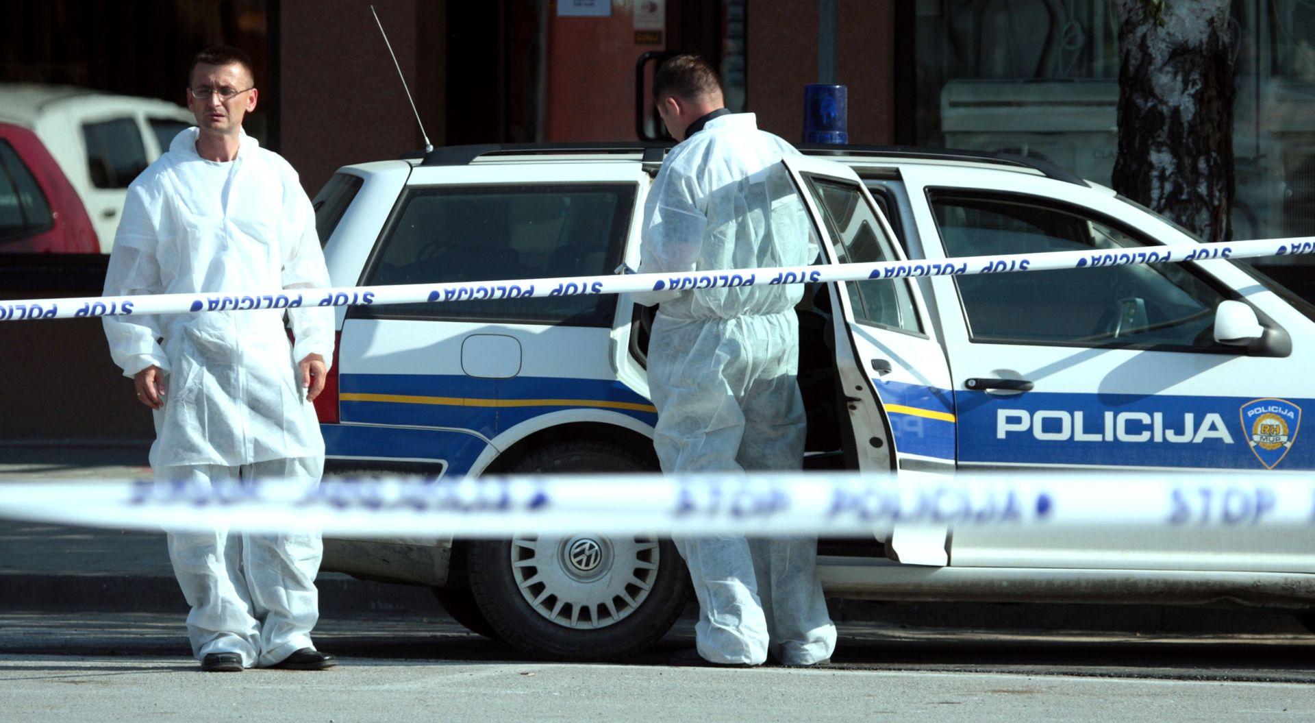 HVAR U obiteljskoj kući sin ubio oca drškom lopate